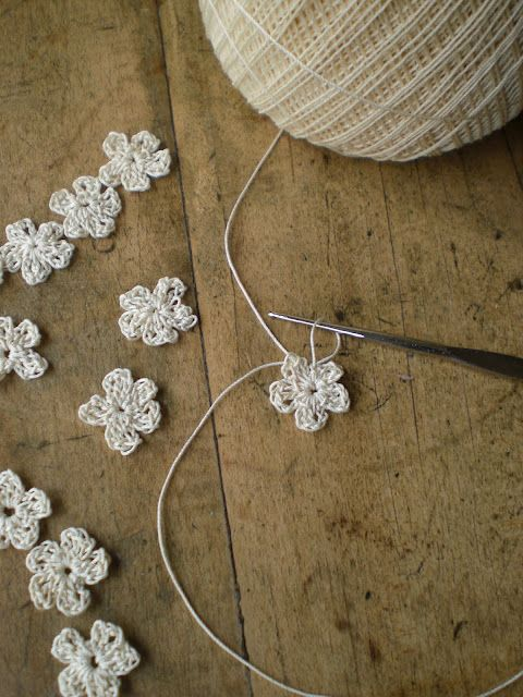 Tiny Crocheted Flowers Tutorial --- form a magic ring ~ into this ring crochet ....
