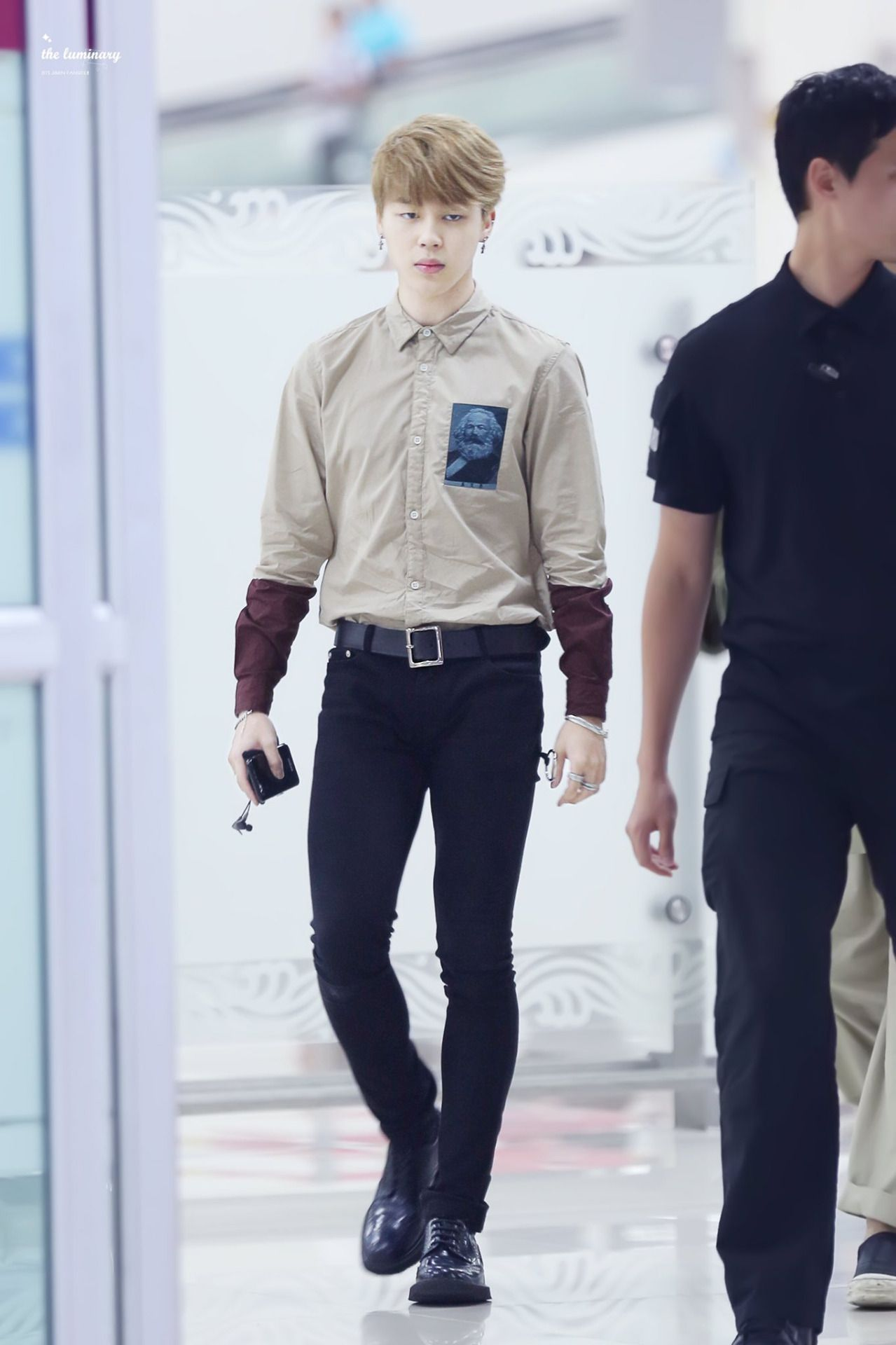Jimin ❤ #BTS #방탄소년단 at Gimpo Airport returning back to Korea after A-Nation Fest…
