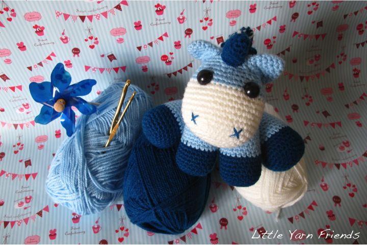 blue unicorn photo only...  free pattern here:    http://littleyarnfriends.tumblr.com/post/24411665124/crochet-pattern-lil-baby-unicorn