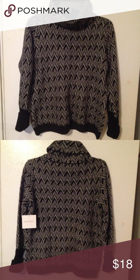 New Ellen Tracy turtleneck sweater size L Ellen Tracey black & white design turtleneck sweater size L Ellen Tracy Sweaters Cowl & Turtlenecks