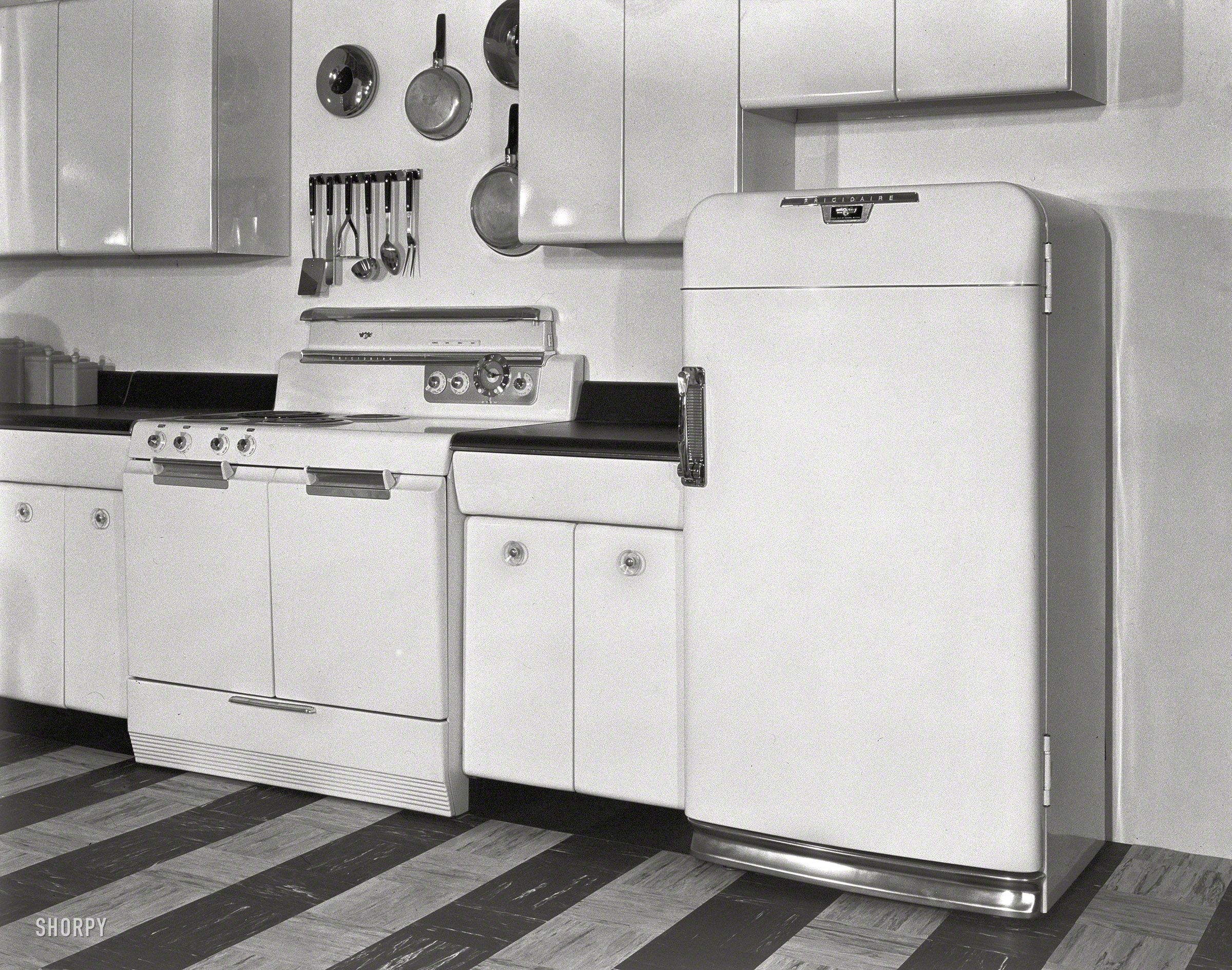 Shorpy Historical Photo Archive :: Frigidaire: June 1, 1951 ...