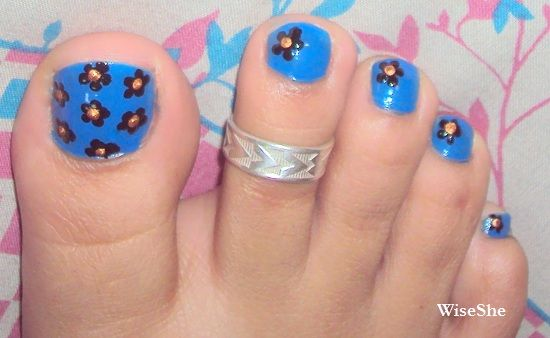 Simple Toe Nail Art With Black Flowers Nails 3 Pinterest Toe