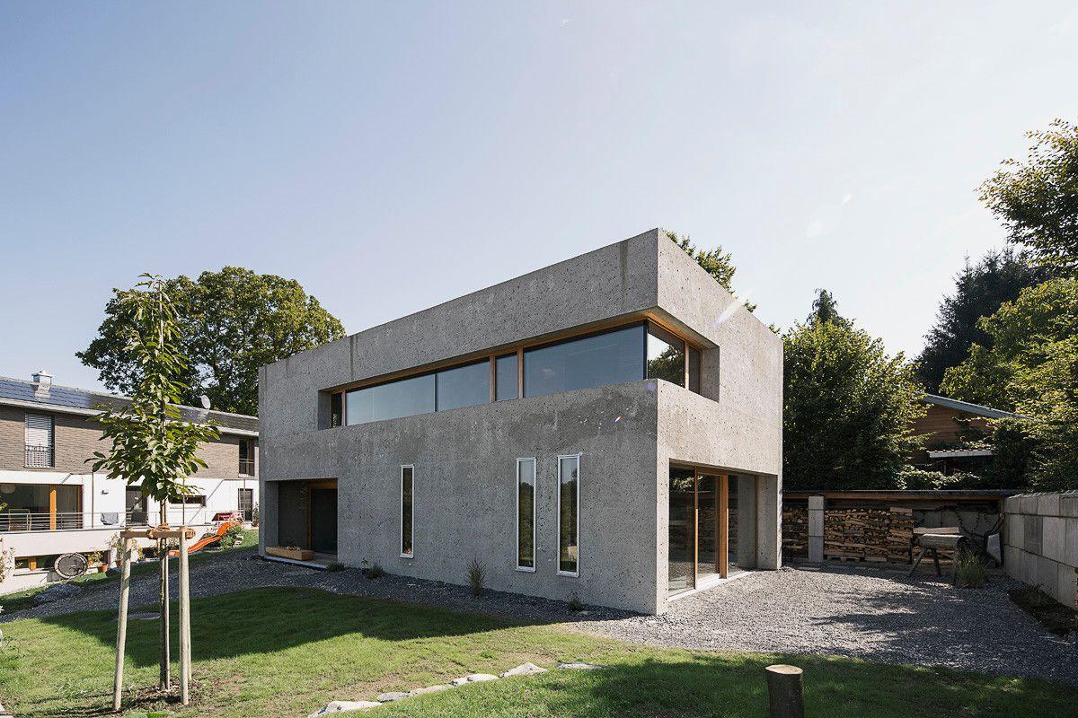 Einfache form wenige materialien das wohnhaus ist auf for Einfaches holzhaus bauen