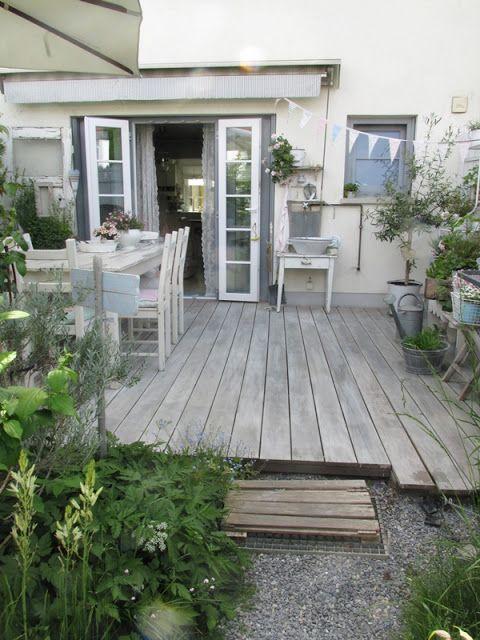 wenn die terrasse einfach nicht ergrauen will dann muss man eben nachhelfen die dielenbretter. Black Bedroom Furniture Sets. Home Design Ideas