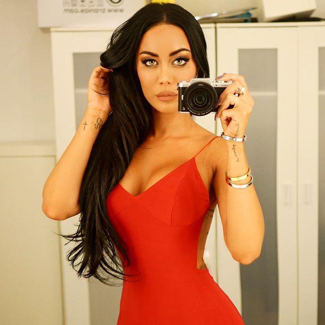 rebecca stella the dress