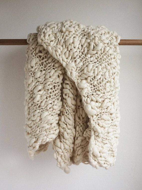 Super Chunky Knit blanket throw made of handmade thick and thin yarn in  natural ecru color 36b9131c90