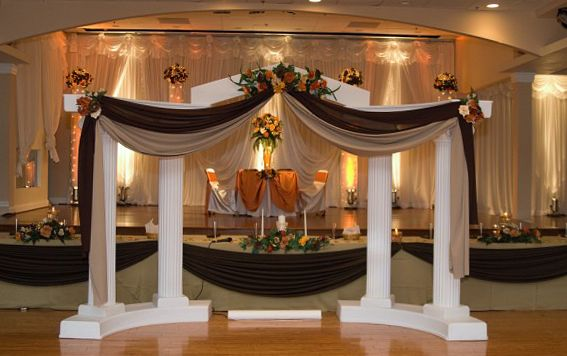 Autumn Decorated Colonnade Wedding Columns Wedding Stage