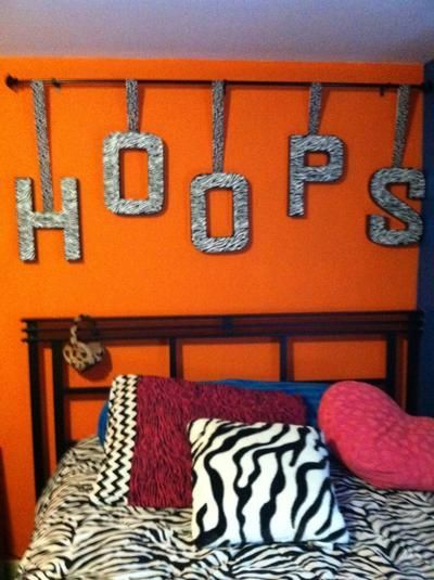 Great DIY look for your basketball players room!