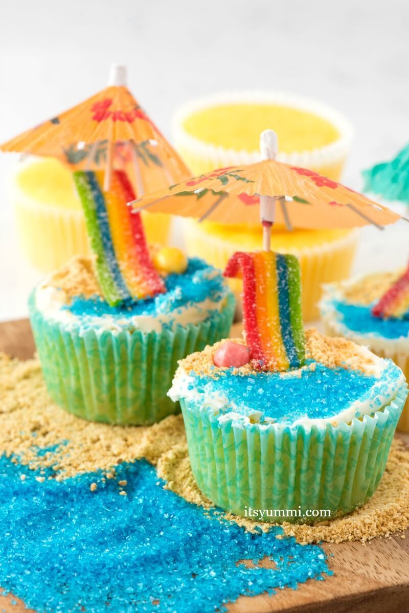 Day at the Beach Cupcakes Video Tutorial Beach cupcakes Colored