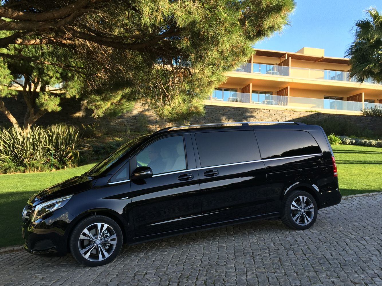 Need a little more room ? Choose our newest vehicle, comfortably seating up to 7 in luxury and with privacy. For bookings go on  www.algarvevintagetravel.com #Algarve #chauffeurs #limousine #airporttransfers #golf #weddings #luxury #tours #mercedes #vclass #transportation