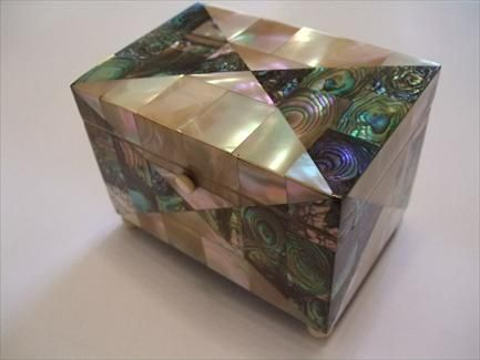 A Mother Of Pearl And Abalone Jewellery Trinket Box Art