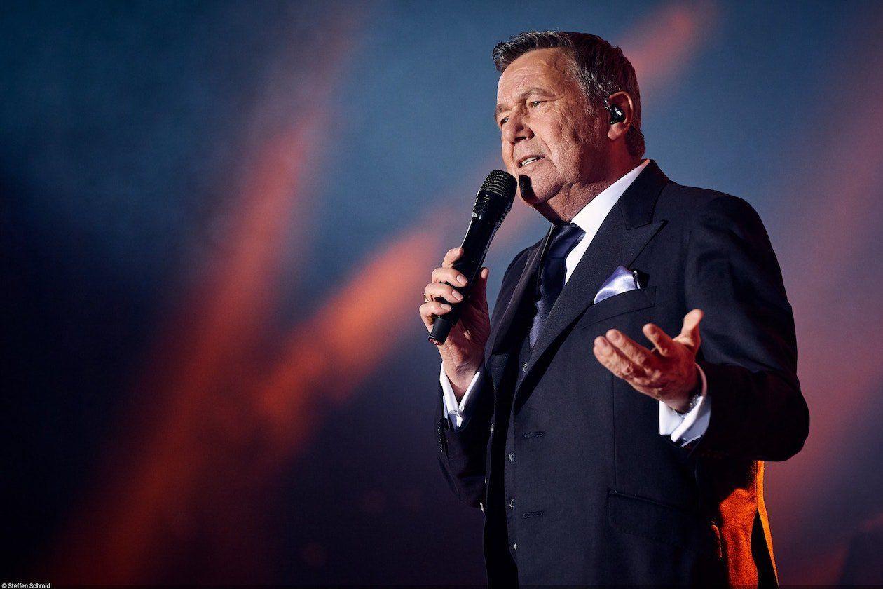 Roland Kaiser Es Geht Schon Wieder Los Schlager De Konzerte Kaiser Freilichtkino