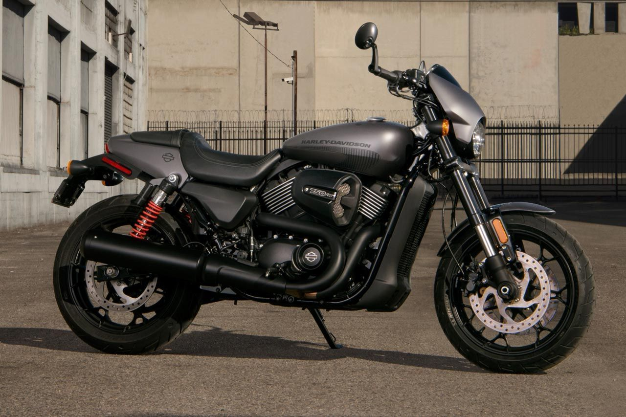 The 2017 Harley Davidson Street Rod 750 Is A Powerful Agile Middle Weight Cruiser Which Has Been Tuned For Harley Davidson Street Harley Davidson Street Rods