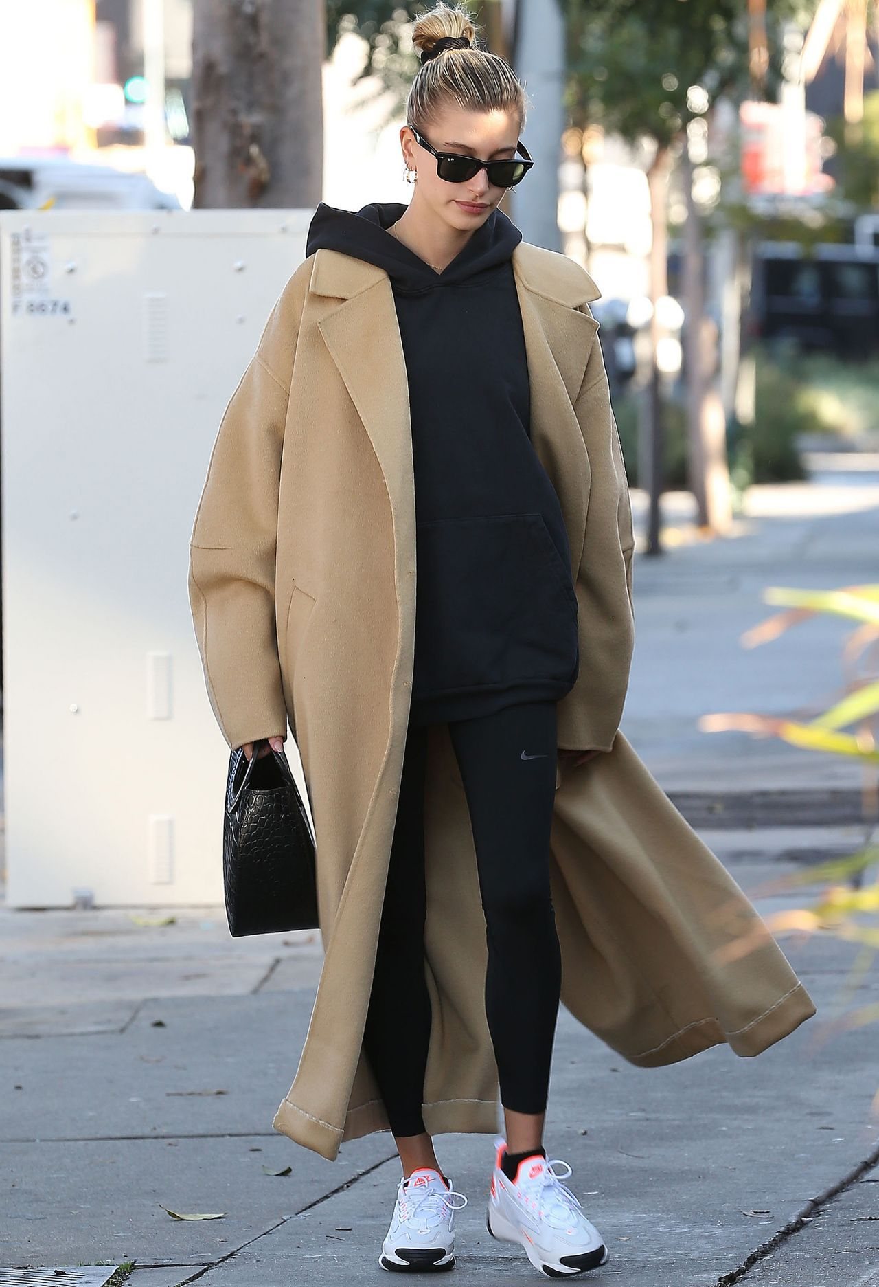 Hailey Bieber Out in Beverly Hills 12/09/2019.