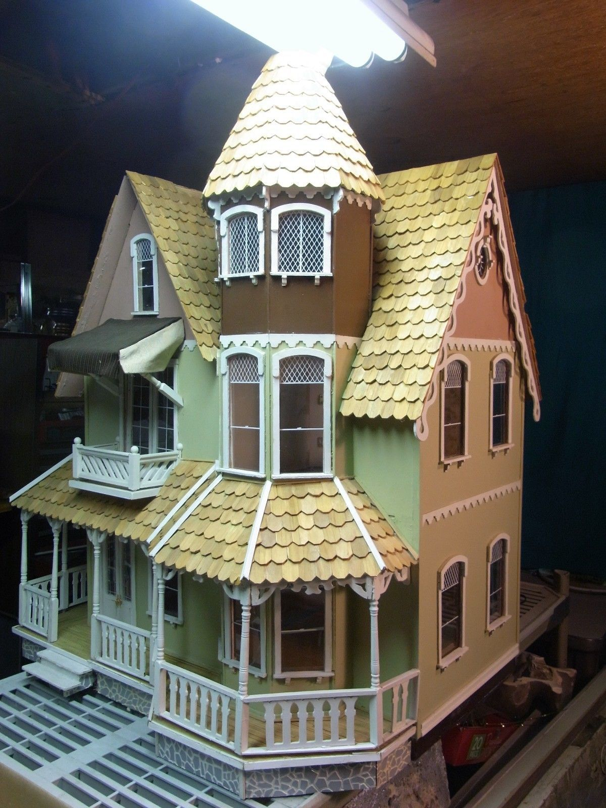 Pre Built Wooden Garfield Dollhouse 1 Scale Lots Of Extra