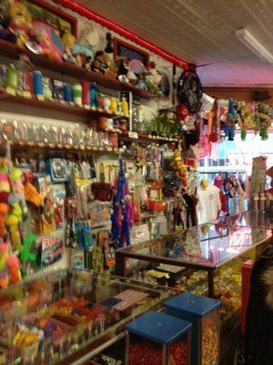 The Penny Arcade is a great attraction in Manitou Springs where you can play hundreds of old arcade games like pinball. Walk down memory lane with old arcade games in Manitou Springs. #manitousprings