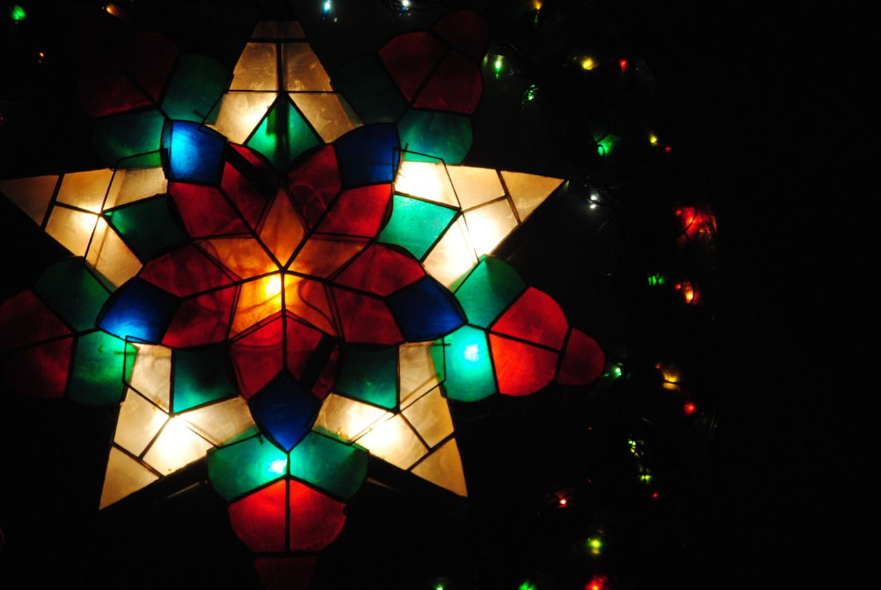 Filipino parol for sale in america - Pinasenti Parol Parols Are The Traditional Christmas Lanterns In The Philippines That Are Hung Outside Houses As Decoration Made In The Shape Of A Star