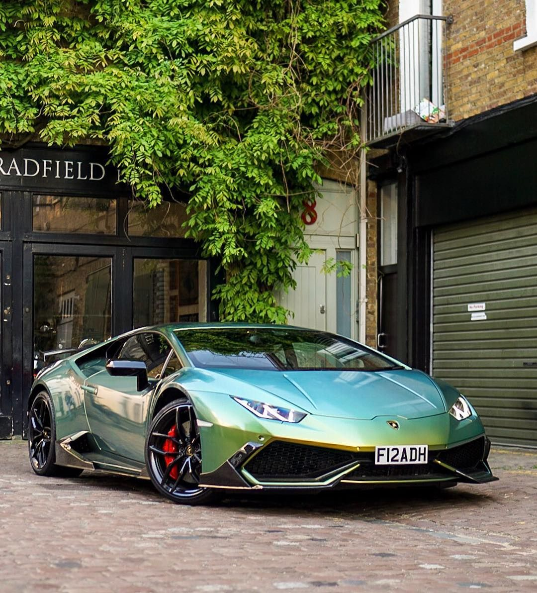One Of The Crazier Ones In London Fuaadhh Cars247 Official Photographer Lamborghinihuracan Multicolor Sports Cars Lamborghini Lamborghini Dream Cars