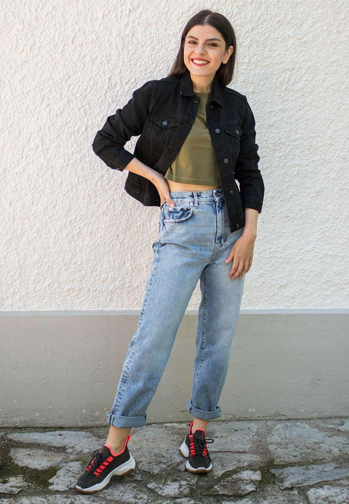 Wie kann man diese Jacke kombinieren außer mit schwarzer