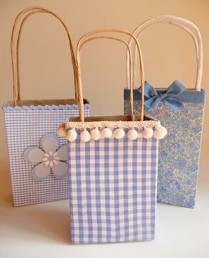 Como hacer bolsas de regalo con materiales reciclables - Hacer bolsas de papel para regalo ...