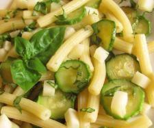 Ricetta Pasta con zucchine e pangrattato pubblicata da Etenia - Questa ricetta è nella categoria Primi piatti