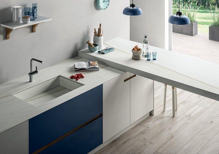 Küche in hellen Tönen mit Arbeitsplatten aus Keramik Kitchen - keramik arbeitsplatten kueche design