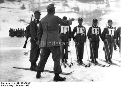 Skimeisterschaften in Kitzbühel 1939  Auf der Strecke