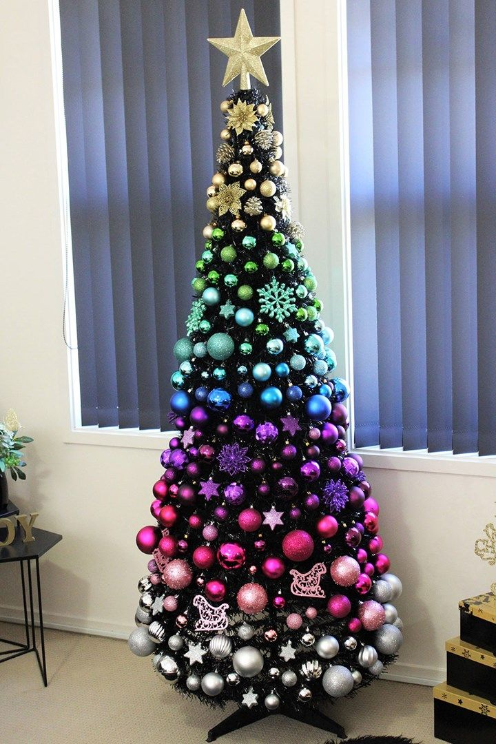 South Australian mum's Christmas tree breaks the