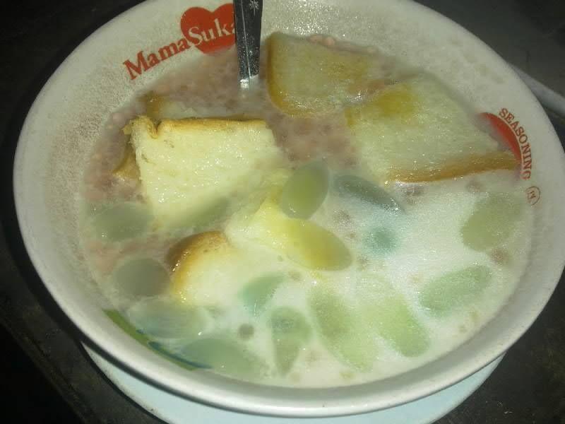 Berkat Informasi Dari Grup Facebook Surabaya Kuliner Gw Berkesempatan Mencicipi Angsle Enak Ini Di Warung Ronde Angsle S Makanan Makanan Dan Minuman 24 Juli