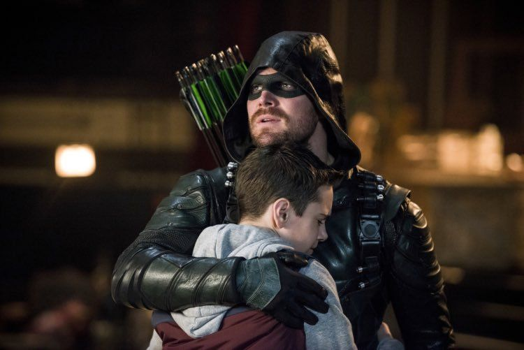 Green Arrow With His Son Arrow Tv Arrow Cw Arrow Season 6