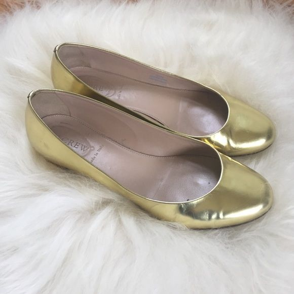 "Gold Leather J. Crew Flats Beautiful gold J. Crew Flats with small gold block heel (about 1""). Gently used-- please see pics of creases in leather and minor heel scratches-- but overall fab condition! Italian leather. Size 8.5. J. Crew Shoes Flats & Loafers"