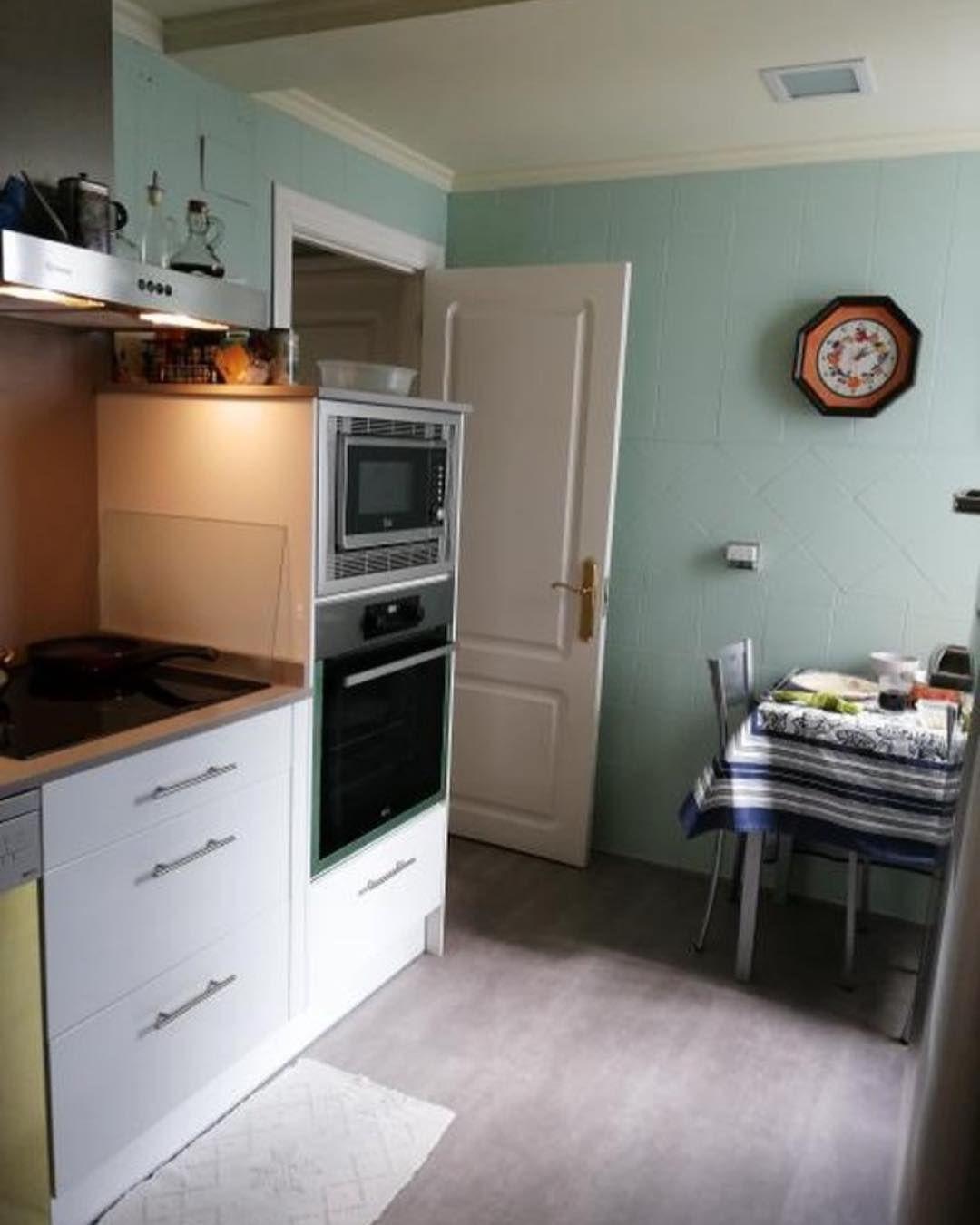 Antes Y Despues De Cocina Azulejos Pintados En Verde Delicado Y