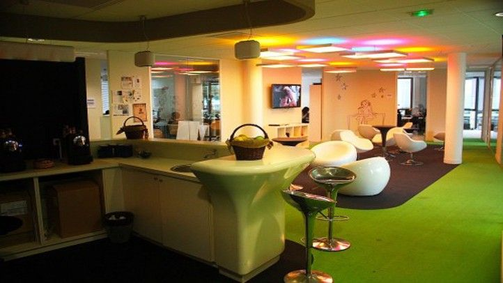 leo burnett office moscow. Leo Burnett Paris Office // Funky Chic Moscow