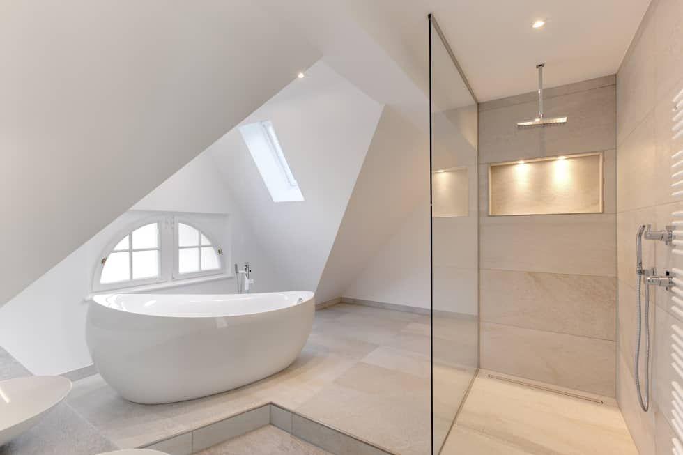 Badezimmer Oase ~ Mediterranes badezimmer mit freistehender badewanne das bad in