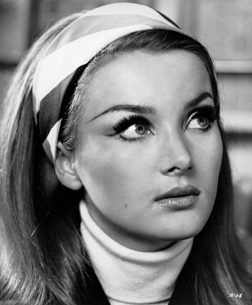 Barbara Bouchet in Danger Route (1967) Maquillage année