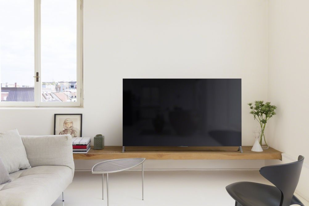 Sony S Chief Art Director We Always Fight With The Engineers Living Room Tv Wall Interior Tv Wall Decor