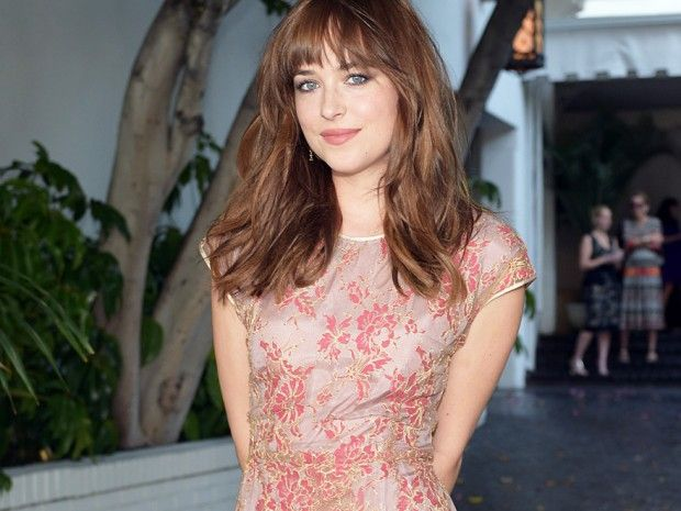 gewusst dakota johnson 7 berraschende facts ber die 39 fifty shades of grey 39 schauspielerin. Black Bedroom Furniture Sets. Home Design Ideas