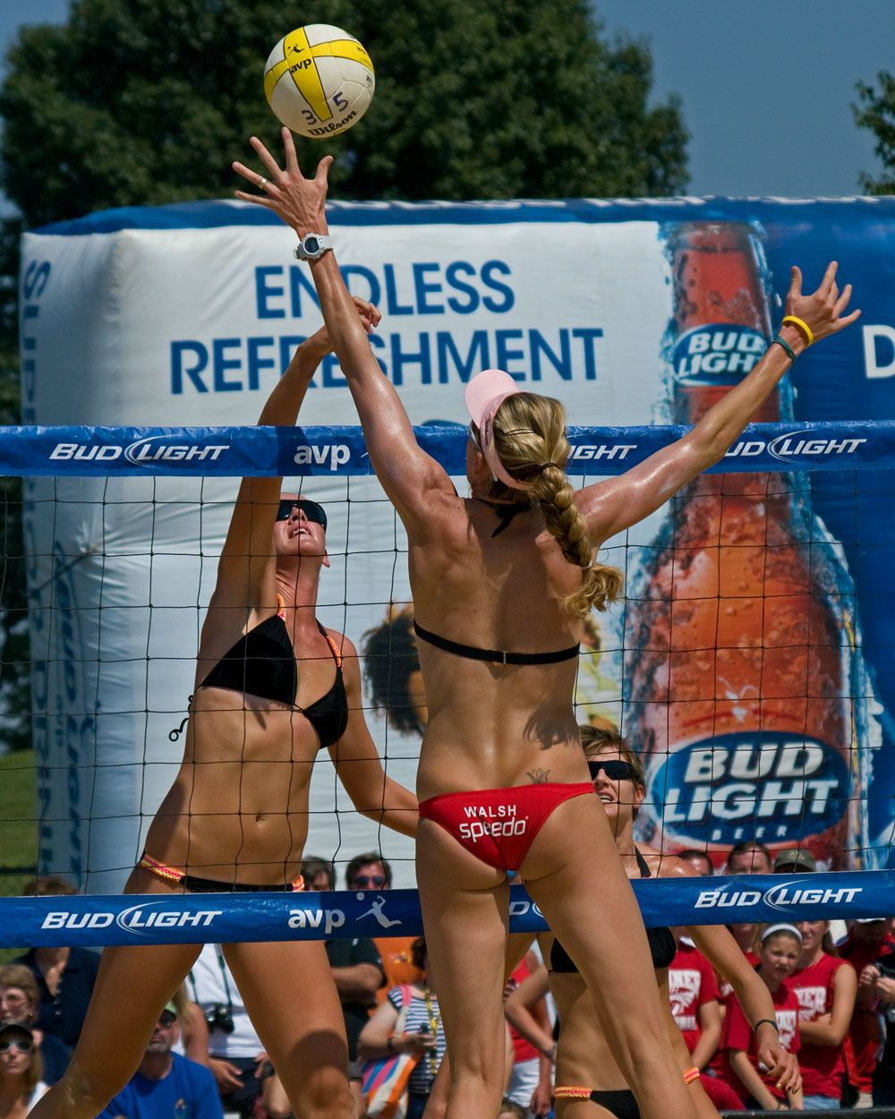 Pro Beach Volleyball Beach Volleyball Volleyball Outdoor Workouts