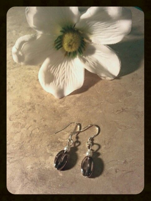 Clear glass and mock white pearl beaded earrings