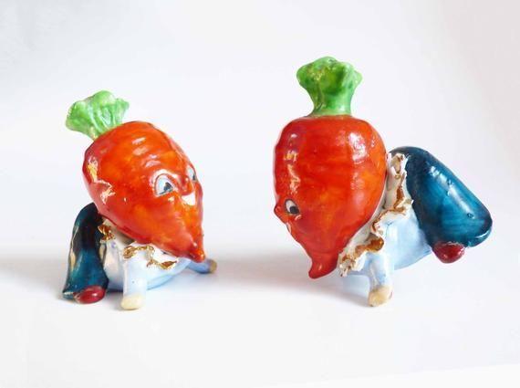 """Big Head Salt Pepper Shakers w/ Carrot Top Greens Vintage 1940s Acrobatic Anthropomorphic Blue…"