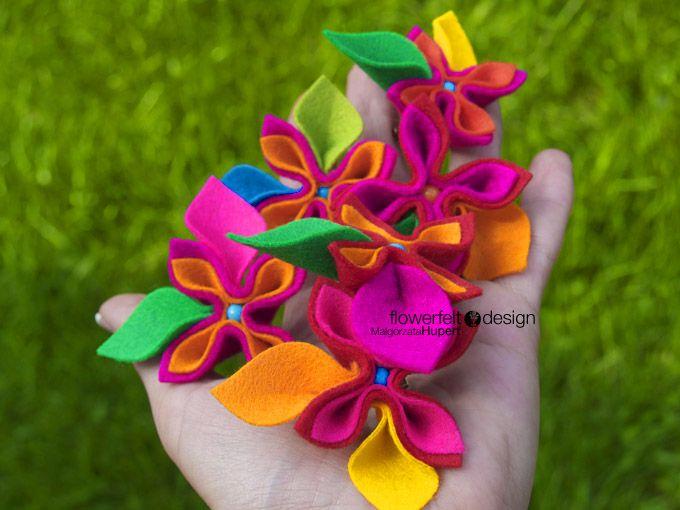 Felt flowers. Sob right ad cheerful. | Hobbies & Crafts | Pinterest ...