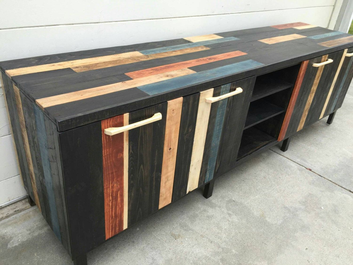 Personalized pallet tv stand furniture pallet furniture for Pallet furniture designs