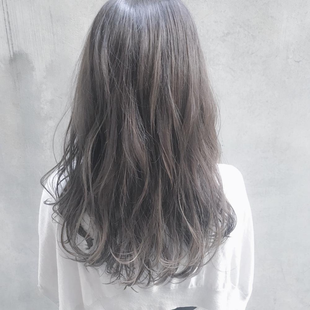 これでオーダーしたい おしゃれ女子が注目するグレーカラーヘア Hair 髪の毛カラー 髪 カラー ヘアスタイリング