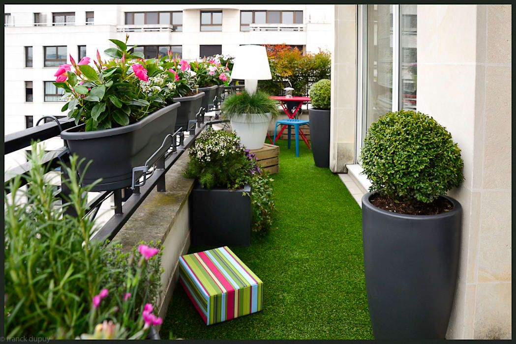 Classic by balcon facile, classic | Apartment garden ...