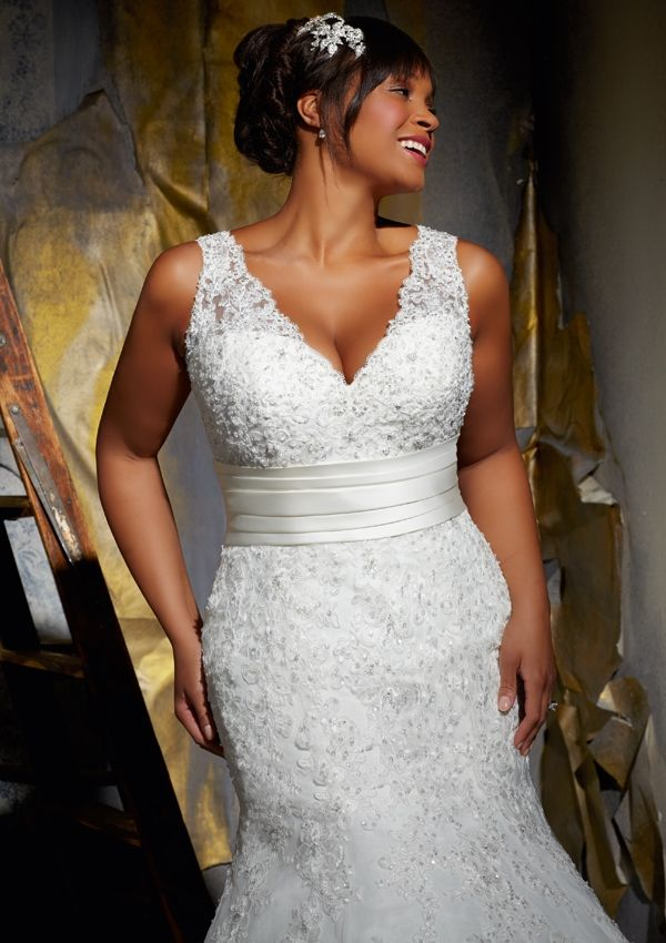 Come see this Stunning Gown in person at Bobbies Bridal in Peoria ...
