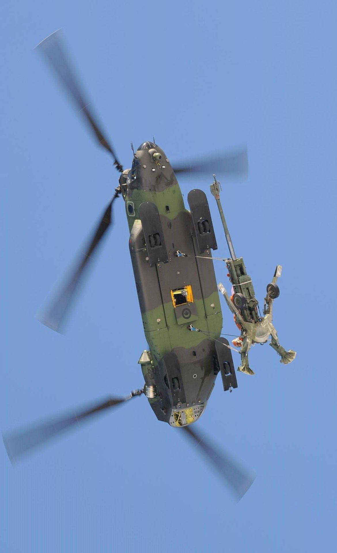 Elicottero 450 : Ch 147f chinook canadas 450 tactical helicopter squadron m777