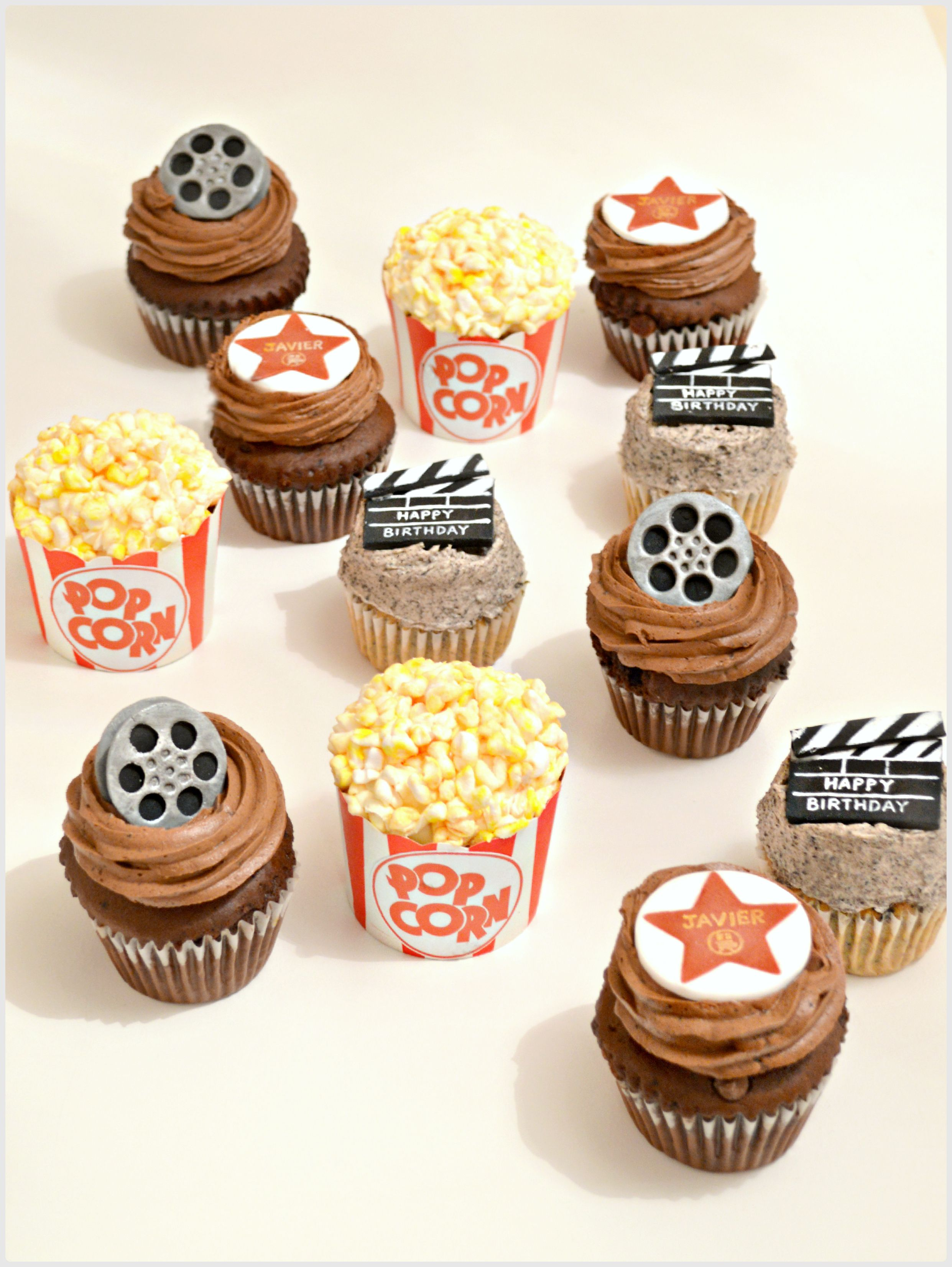 hollywood movie themed cupcakes with marshmallow popcorn