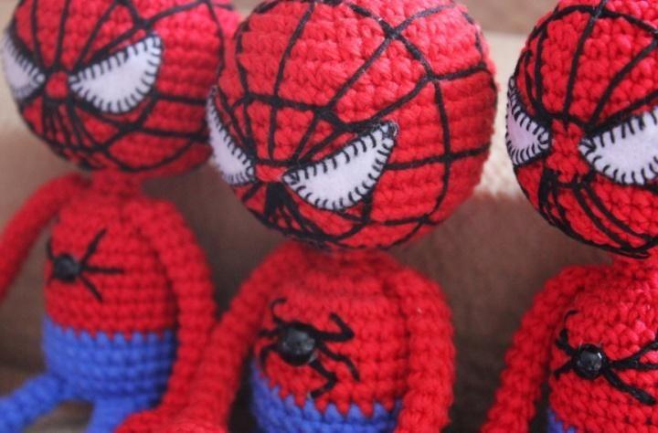 Amigurumi spiderman crochet pattern free   amigurumi   Pinterest ...