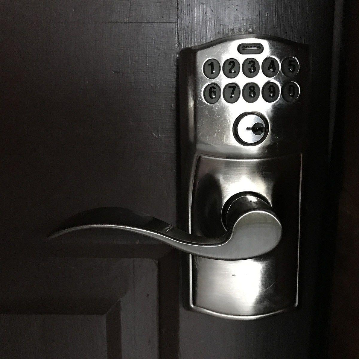 Schlage Z Wave Keypad Lever Lock Project Keyless Door Locks Nexia Home System Keypad Locks Unlock The Door With Keyless Door Lock Door Locks Keypad Lock