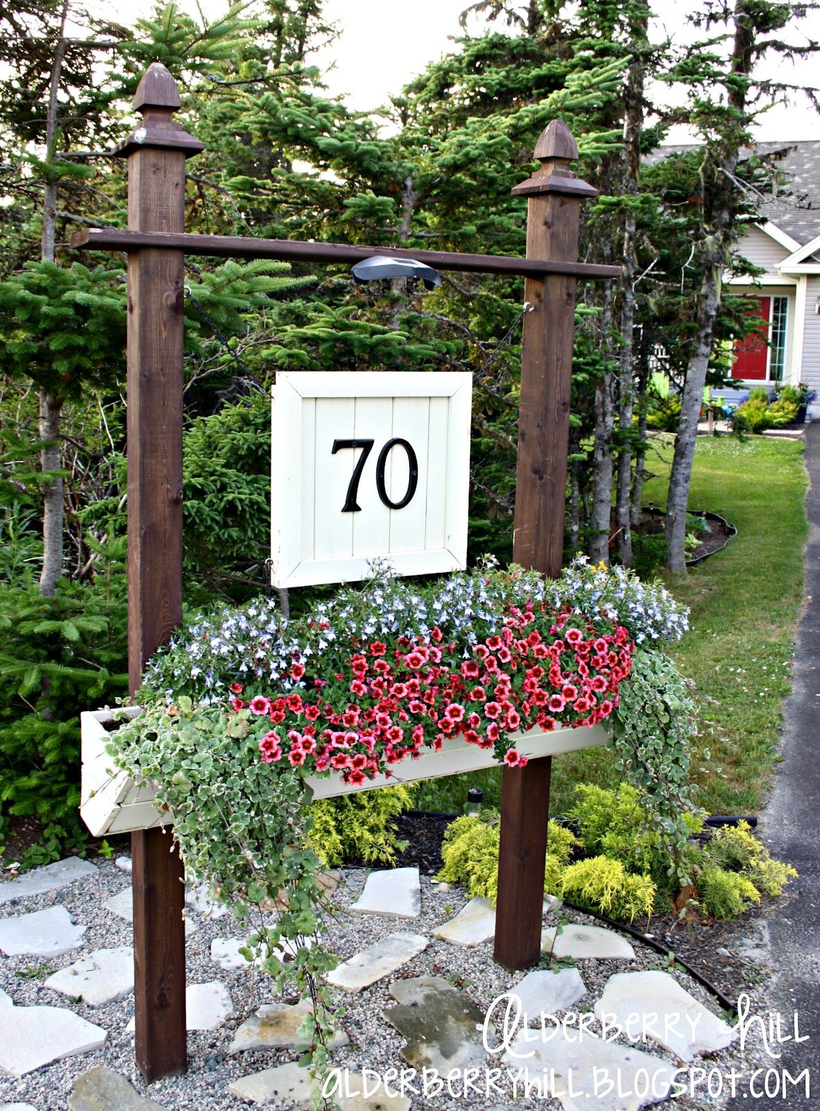 Number Sign With Built In Planter And Solar Light For The End Of Driveway I Love This Can So Decorate Every Holiday Season